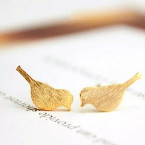 Jewelry - Fun Gold Boho Earrings